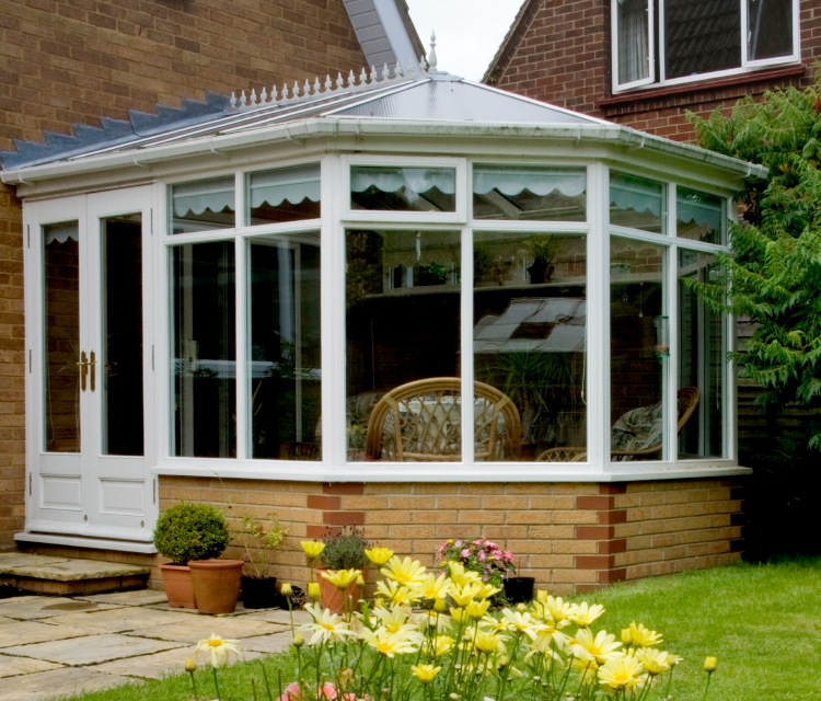 Conservatories c waine and sons glazing services for Abri soleil mural toit rigide